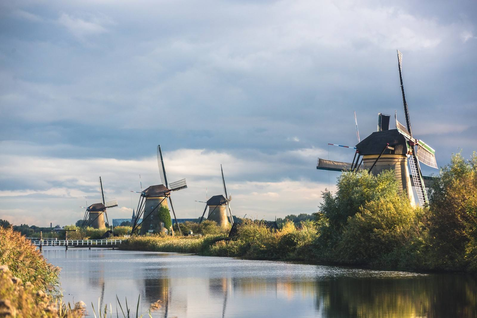 荷兰将控制欧盟以外留学生数量 加收申请费学费图1